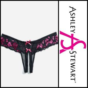 🆕️Crotchless Floral Thong- sz 1X 🆕
